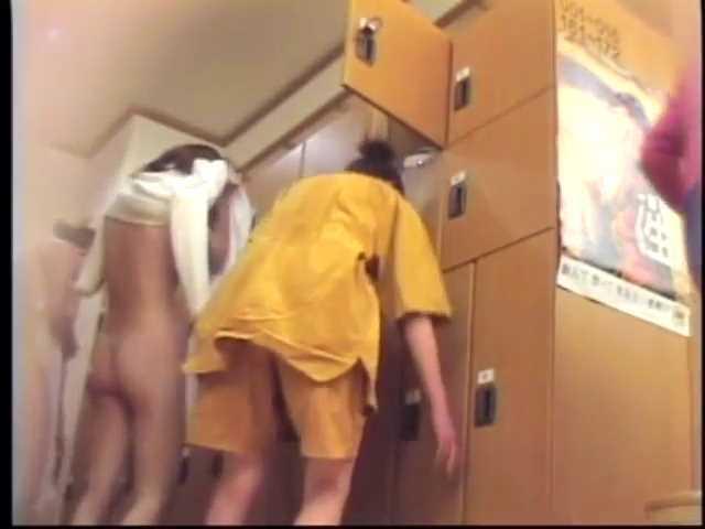 セクシーで綺麗すぎるお姉さんと温泉宿で到着早々SEXしちゃう 35:01