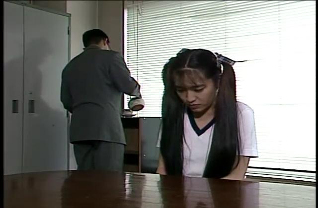 【五十路熟女動画】素人の美熟女貧乳おばさんがAVデビューで